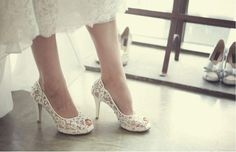 Fashion Fish Toe Ivory Lace High Heels Wedding Bridal Shoes, S013 Description - Platform Height: 1cm - Heels: 10cm - Toe Shape: Fish Toe - Inside Material: Leather. - Outside Material: Lace Size If yo