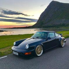 enjoy seeing pictures of this 964 >> : ⠀ Porsche 911 964, Porsche Carrera, Porsche Autos, Porsche Wheels, Porsche Cars, Porsche Classic, Classic Cars, Classic Auto, Golf Mk1