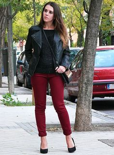 What To Wear With Maroon Pants