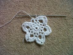 Grace Paretree: Handmade Monday: Crochet Christmas Snowflake Pattern - Surely It's Not Too Early?