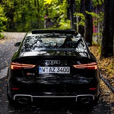 Who likes autumn ? New RS3 sedan - 400hp - 5 cylinders - black @leagueofperformance306 ---- oooo #audidriven - what else ---- . . . . #Audi #RS3 #newRS3 #newRS3sedan #blackRS3 #AudiRS3 #RS3sedan #quattro #4rings #drivenbyvorsprung #Audicolor #carsbyaudisport #audisport