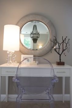 Mirrored Furniture Design Ideas, Pictures, Remodel and Decor Decor Interior Design, Interior Decorating, Decorating Ideas, Interior Styling, Furniture Design, Dressing Table Design, Dressing Tables, Dressing Rooms, Vanity Decor
