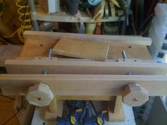 Mini bench wiith a moxon vice