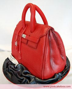 Hot red purse cake -- We can hardly believe it isn't real! #cake #batmitzvah