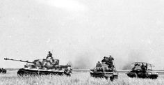 """Kursk Waffen SS """" Das Reich """" Division Tiger """"S01"""" and other vehicles"""