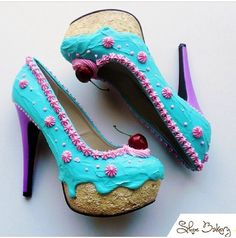 teal and pink cake pumps by Shoe Bakery Funky Shoes, Crazy Shoes, Me Too Shoes, Dream Shoes, Pretty Shoes, Beautiful Shoes, Awesome Shoes, Ice Cream Shoes, Designer Shoes