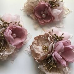 Diy Crafts - -This beautiful wrist corsage is made with pale dusty pink chiffon, Champagne satin and pale pink chiffon. Pale pink and champagne laces. Fabric Flower Brooch, Fabric Flower Tutorial, Organza Flowers, Fabric Flowers, Paper Flowers, Bow Tutorial, Gold Corsage, Corsage Pins, Wrist Corsage