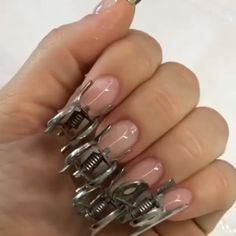 Acrylic Nail Shapes, Fall Acrylic Nails, Nail Art Designs Videos, Nail Art Videos, Polygel Nails, Red Nails, Swirl Nail Art, Nail Ink, Fiberglass Nails