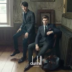 Tara Ferry and Andrew Cooper by Annie Leibovitz for the Dunhill Fall/Winter 2014 ad campaign. Andrew Cooper by Annie Leibovitz for the Dunhill Fall/Winter 2014 ad campaign. Andrew Cooper, Annie Leibovitz, Poses For Men, Male Poses, Mode Masculine, Fashion Designer, Designer Clothing, Portrait Poses, Suit And Tie