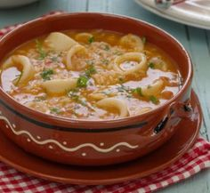 Shrimp stew in a plate (Bahia - Brazilian typical food : Cod Fish Recipes, Seafood Recipes, Good Food, Yummy Food, Tasty, Prawn Dishes, Portuguese Recipes, Food Goals, Chefs