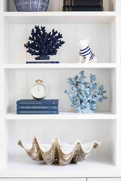 Hamptons Style Decor, Nantucket Decor, Hamptons Bedroom, Nautical Interior, Nautical Office, Blue Home Offices, Coastal Decor, Coastal Style, Home Office Design