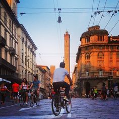 No bicycles required. Just good walking shoes and a healthy appetite. My 48 Hours in Bologna guide is now live on the blog - Instagram by @Budget Traveller
