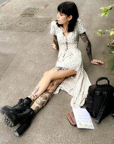 movie date outfit Hannah Pixie Snowdon, Hannah Snowdon Tattoo, Movie Date Outfits, Divas, Estilo Dark, Estilo Grunge, Eva Green, Dark Beauty, Mode Inspiration