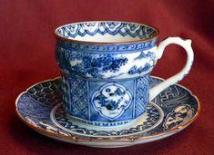 祥瑞の珈琲カップ、コーヒーカップ Japanese Porcelain, Glass Vessel, Bone China, Ceramic Art, Cup And Saucer, Tea Time, Coffee Cups, Tea Pots, Blues