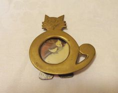 Handmade cat picture frame primitive brass round opening vintage humorous cm1497