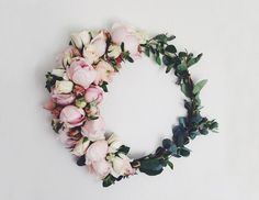 pretty DIY wreaths that aren't just for the holidays | domino.com