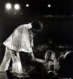 'Elvis - Aloha Via Satellite: A 40th Anniversary Commemorative Release' -
