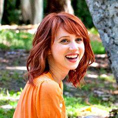 Zoe Kazan... Want her hair!