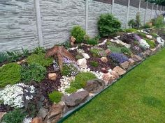 Landscaping With Boulders, Landscaping On A Hill, Landscaping Retaining Walls, Small Backyard Landscaping, Rock Garden Design, Backyard Garden Design, Small Garden Design, Front Garden Landscape, Landscape Design