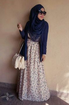 Shea Rasol in pretty floral dress #hijab#style#muslimah