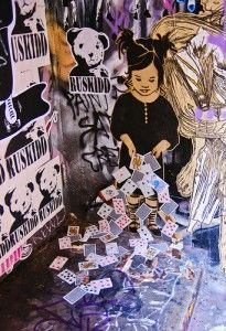 Hosier and Rutledge Lane opposite Federation Square is one of the most popular places to see Melbourne's street art. Best Street Art, Amazing Street Art, Seen Graffiti, Graffiti Art, Street Art Melbourne, Street Art Banksy, Sidewalk Chalk Art, Chalk Drawings, Best Places To Travel