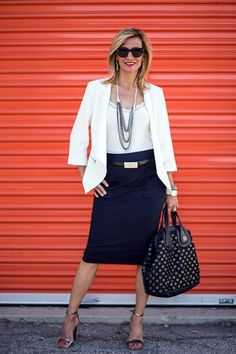 casual-outfits-for-women-over-40-34