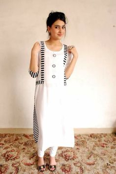 H Kurta Designs Women, Kurti Neck Designs, Dress Neck Designs, Kurti Designs Party Wear, Blouse Designs, Pakistani Formal Dresses, Pakistani Fashion Casual, Pakistani Dress Design, Frock Fashion