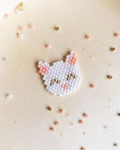 This Pin was discovered by Tra Seed Bead Patterns, Beaded Jewelry Patterns, Peyote Patterns, Beading Patterns, Beading Projects, Beading Tutorials, Miyuki Beads, Art Perle, Motifs Perler