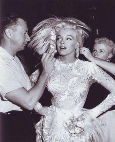 Vintage Glam with Marilyn Monroe
