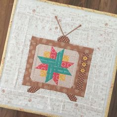 """YaY!! I'm sew happy to finally show you this tutorial of my Vintage TV Block from last year! Now that my fabrics are almost here...the Bee Basics and Backgrounds tutorials can begin! This one is my """"Netflix and Quilt Block"""" I put a 6"""" Farm Girl Vintage block on the tv screen of a 12"""" block. After all...A good Netflix binge and quilting go great together ...right? The step by step tutorial is on my blog today:) I hope you love it!!! ❤️ ✂️ #beeinmybonnet #VintageTVblock #netflixandquilt #beeb.."""