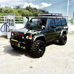This is one serious looking 4x4...Mitsubishi Pajero.