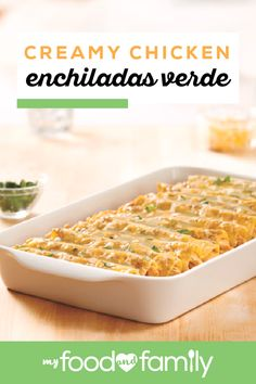 Creamy Chicken Enchiladas Verde Bring some tasty Mexican-style flavors to your table with this tasty recipe! Easily make and serve this delicious dish in just 40 minutes with tomatillo salsa chicken breasts sour cream and KRAFT Mexican Style Four Cheese. Chicken Enchiladas Verde, Salsa Chicken, Tasty Dishes, Food Dishes, Main Dishes, Easy Dinner Recipes, Easy Meals, Dinner Ideas, Tasty Recipe