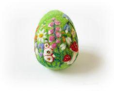 Es ist keine Eier-Aggeration, dass dieses schöne Nadel Filz-Ei der Saison süße hinzufügen. Nadel Gefilzte Ei aus reinen Flyer wolle ein Gezackter Einnadel und viel Liebe hergestellt. Diese Nadel Filz Ei Mini-Landschaft konzentriert sich auf Rosen blühen im St.Annes Park, Dublin. Mit lebendigen Farben, komplizierten Details, sind die Farben weich und verträumt, mit einer Mischung von Texturen.  Messung: Höhe ~ 3,5-Zoll-9 cm Gefertigt aus 100 % Merinowolle und Seide Fasern Mulberry   Dieses…