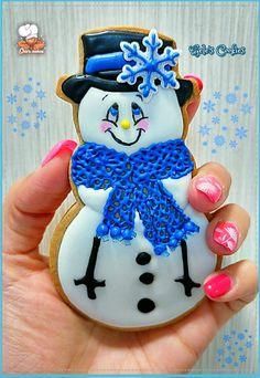 Blue snowman - cookie by Gele's Cookies Snowman Cookies, Christmas Sugar Cookies, Christmas Cupcakes, Holiday Cookies, Holiday Treats, Christmas Treats, Christmas Baking, Fancy Cookies, Cute Cookies
