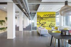 Sfeervolle wachtruimte opgebouwd uit Gispen Design producten @katoprojecten.nl