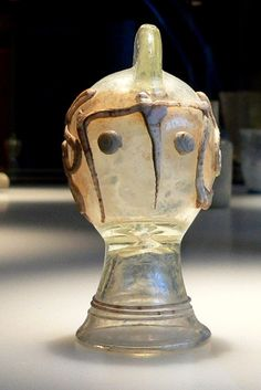 Ancient Roman glasswork in form of the helmet of Secutor gladiator Roman Artifacts, Ancient Artifacts, Ancient Rome, Ancient History, Collections D'objets, Antique Bottles, Glass Containers, Archaeology, Glass