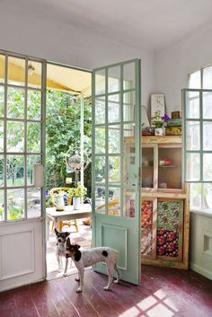 Colores Verdaderos - Revista Living agosto 2013 | by silvina bidabehere Style At Home, Casa Mix, Cafe Interior, Interior Design, Inspired Homes, Home Fashion, Ideal Home, Sweet Home, New Homes