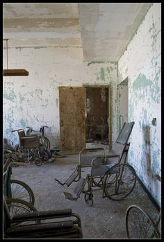 Queens' Creedmoor State Hospital (now Creedmoor Psychiatric Center)  NY
