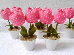Vasinho com tulipa em tecido Ideal para lembrancinhas de chá