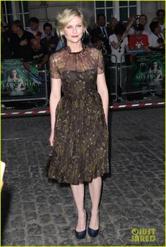 Kirsten Dunst: 'Melancholia' UK Premiere!   kirsten dunst melancholia uk premiere 01 - Photo
