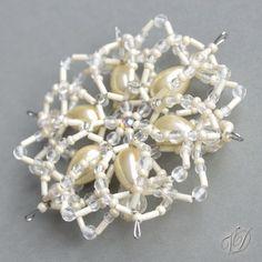 Korálková hvězda 3D - Smetanový květ (KO044)