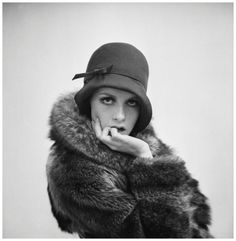 Twiggy Lawson - Photo Terry Fincher 1966 (wearing 1920's style fashion)