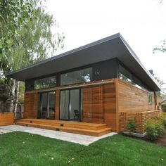 ATHERTON SHIPPING CONTAINER RESIDENCE