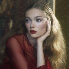 Makeup by Sarah Lucero @sarahluceroglam Stila Cosmetics Holiday Beauty Shoot BESO matte #red #lipstick