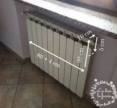 cucire copritermosifone Radiators, Decoration, Diy And Crafts, Projects To Try, Shabby Chic, Home Appliances, Hobby, Home Decor, Sewing