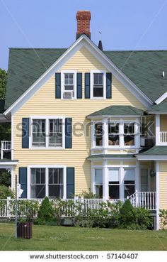 Exterior paint colors for house with green roof Yellow House Exterior, Exterior Paint Colors For House, Paint Colors For Home, Exterior Colors, Navy Shutters, Pintura Exterior, House Paint Color Combination, Roof Colors, Yellow Houses