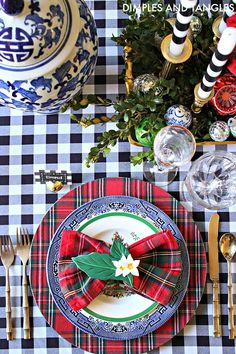 Christmas Tablescape with Blue and White, Gingham, and Plaid Blue Christmas Decor, Tartan Christmas, Spode Christmas, Christmas Home, White Christmas, Christmas Holidays, Christmas Crafts, Holiday Decor, Coastal Christmas