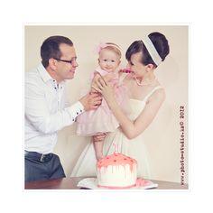 family photo, family story, birthday cake