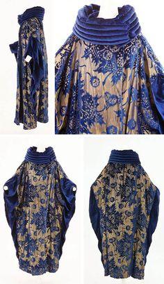 Evening coat, French, ca. 1920s. Silk velvet, gold lamé, metallic golden thread. Bunka Gakuen Costume Museum