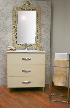 #Baño estilo #barroco . Combinado con colores neutros como el crema, aporta una apariencia más limpia y menos saturada.